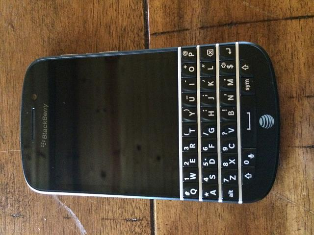 Closed: MINT BlackBerry Q10-photo-3.jpg
