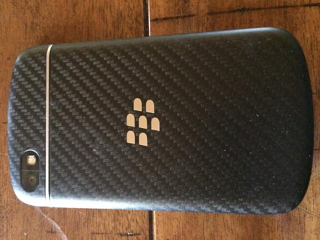 Closed: MINT BlackBerry Q10-photo-4.jpg