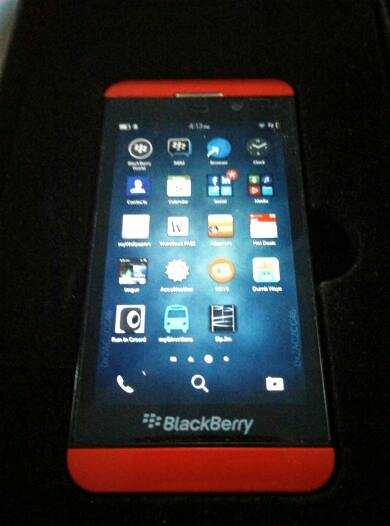Red Limited Edition Z10 with free wallet case, screen protectors.-5725.jpg