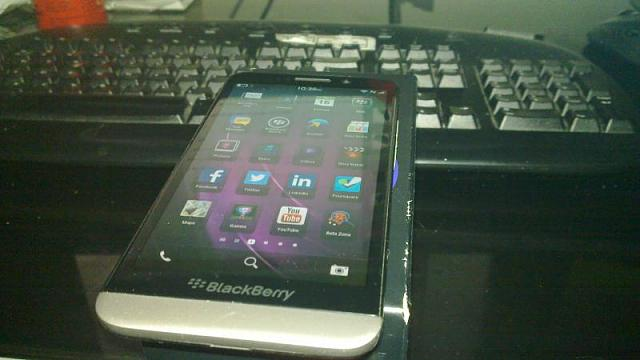 Closed: WTS: Blackberry Z30 STA100-2 5AU-20090101_008.jpg