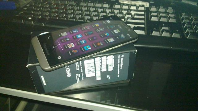 Closed: WTS: Blackberry Z30 STA100-2 5AU-20090101_002.jpg