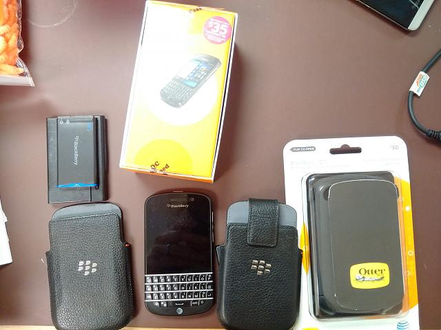 BlackBerry Q10 locked to AT&T With Accessories-img_20141013_143030.jpg
