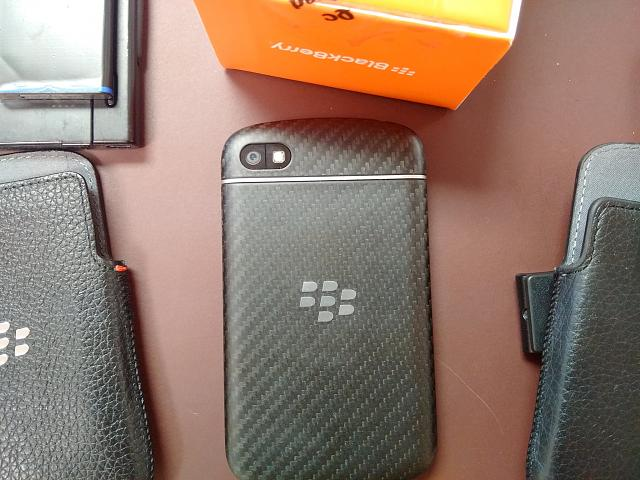 BlackBerry Q10 locked to AT&T With Accessories-img_20141013_143044.jpg