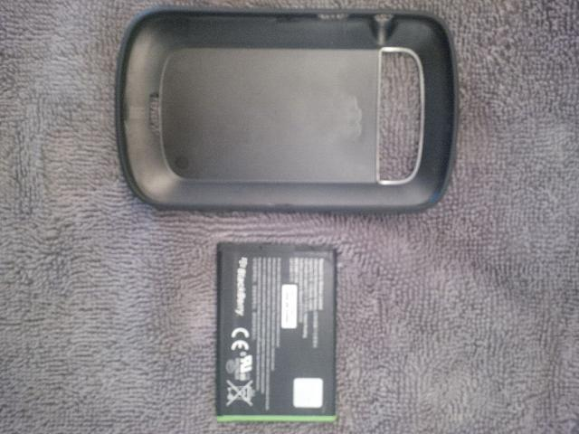 Bold 9900/9930 Battery and Hardshell Case-img_20141108_143925.jpg