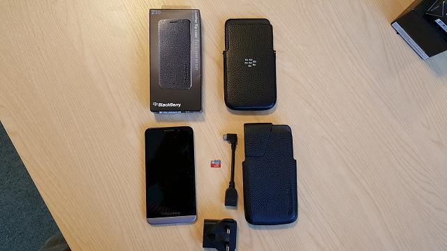 4  Z30 handsets along with accessories.-pic5.jpg
