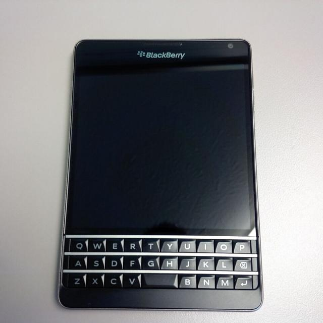 BlackBerry Passport AT&T Model Unlocked-s-l1600-4-.jpg