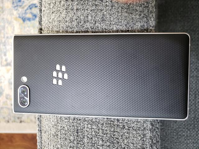 Blackberry Key 2 Silver Edition BBF-100-2-20190908_111155.jpg