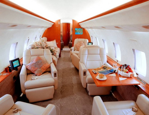 WSJ- BBRY Corporate Jet Scandal-global-express-interior-580x447.jpeg