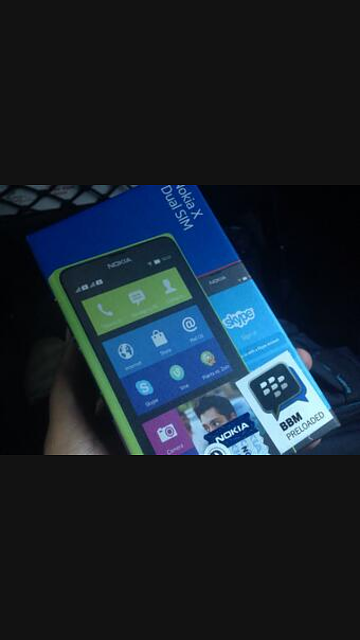 Nokia X in Indonesia has BBM Preloaded sticker on box-img_20140416_114536.png