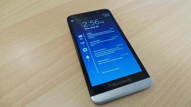 Blackberry Z50 with a 64Bit processor and a 3GB RAM and Corneling Gorilla Glass 3?-blackberry_z30.jpg