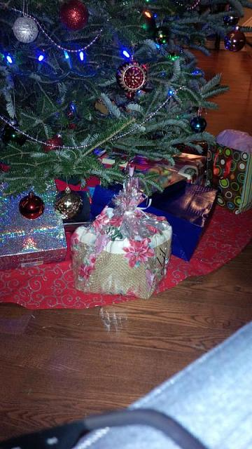 What's under your Christmas tree? ;)-img_20131174.jpg