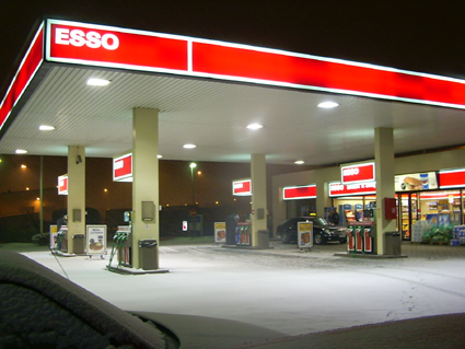 If your screen name was your cause of death-esso_gas_station_finland.png