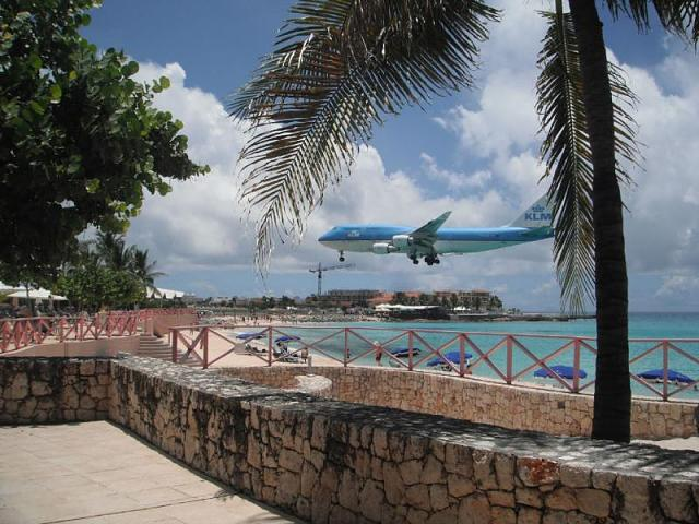 As Promised, Pics of St. Maarten :)-mahoplane.jpg