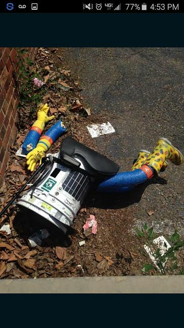 Official everyfin' to do with PlayBook hijack thread?-hitchbot.jpg