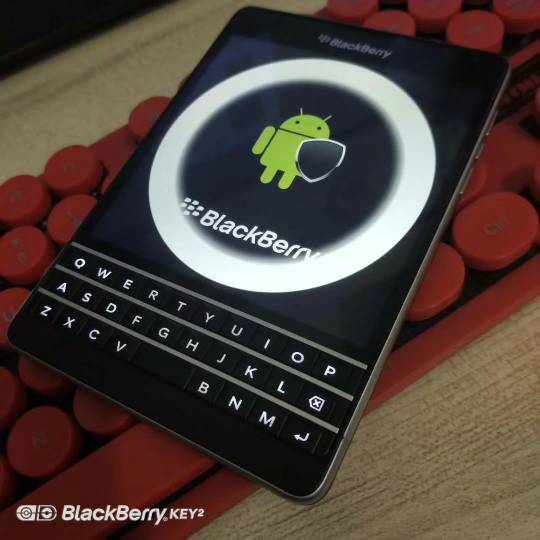 Pic of New BB Android Passport like ?-427996.jpg