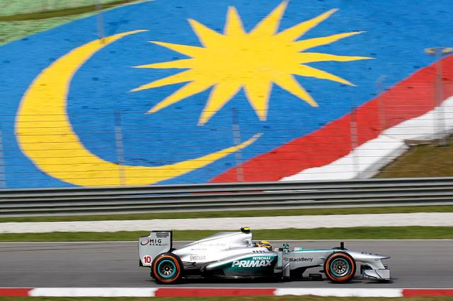 Team BB Mercedes F1 Pictures Thread-malasia-2.jpg